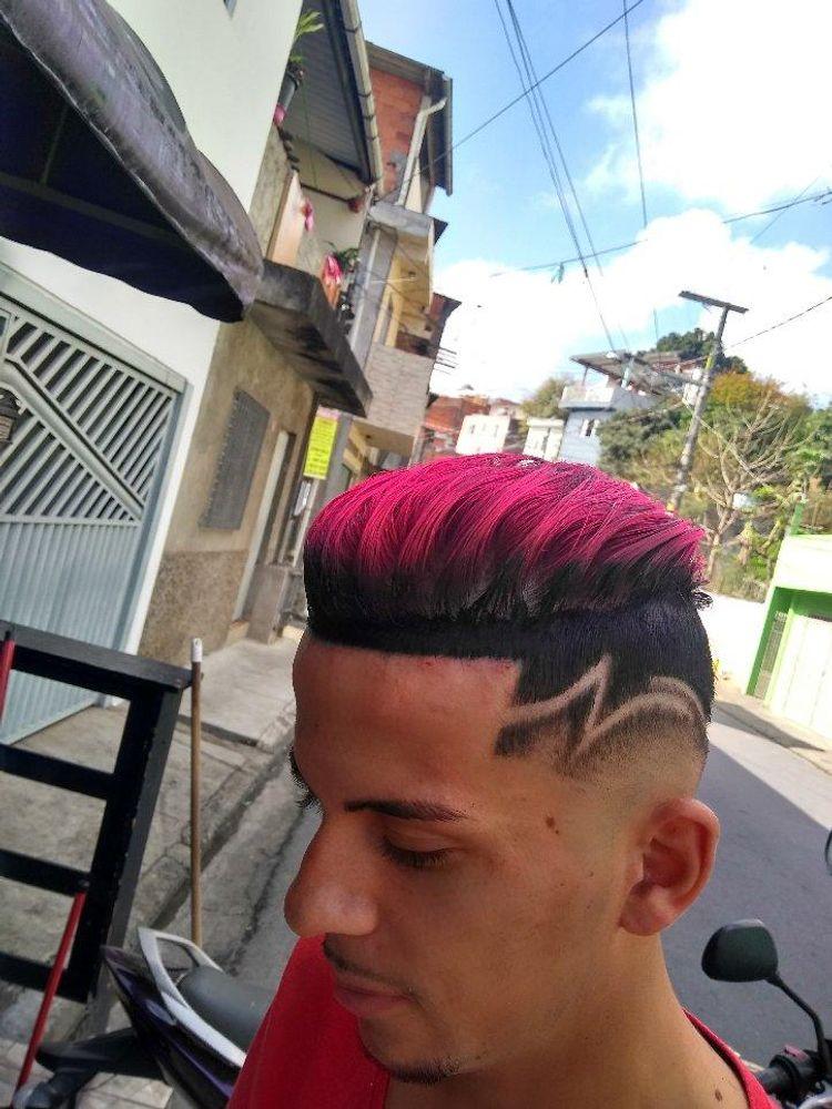 Mechas Quiffs, feito pelo barbeiro Rafa Cort'$